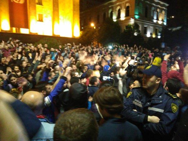Недовольные посетители ночных клубов устроили беспорядки в Тбилиси