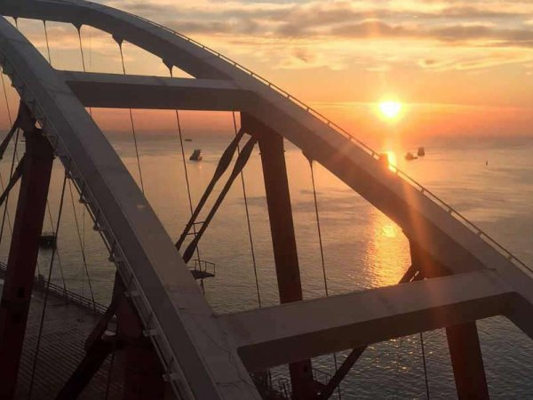 В Верховной раде приписали Крымский мост Украине