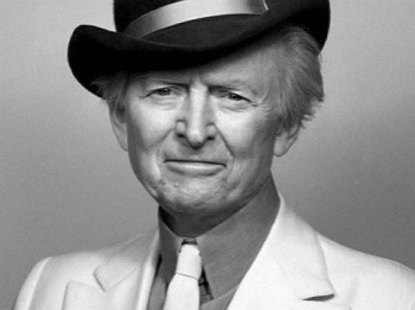Умер писатель и журналист Том Вулф
