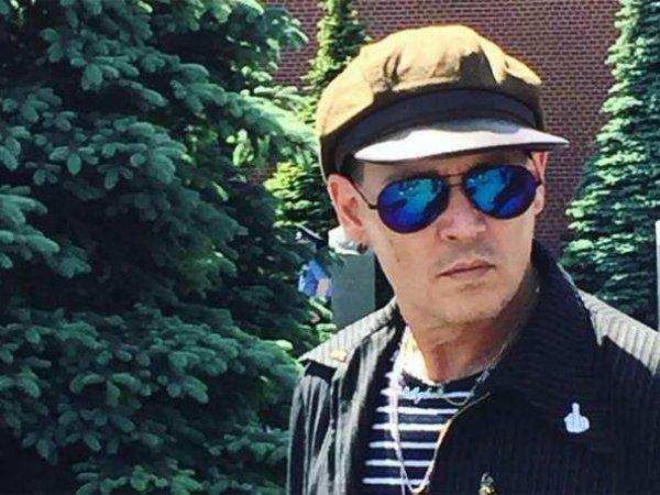 Джонни Депп заработал 2,5 млн на приватных встречах с русскими фанатками