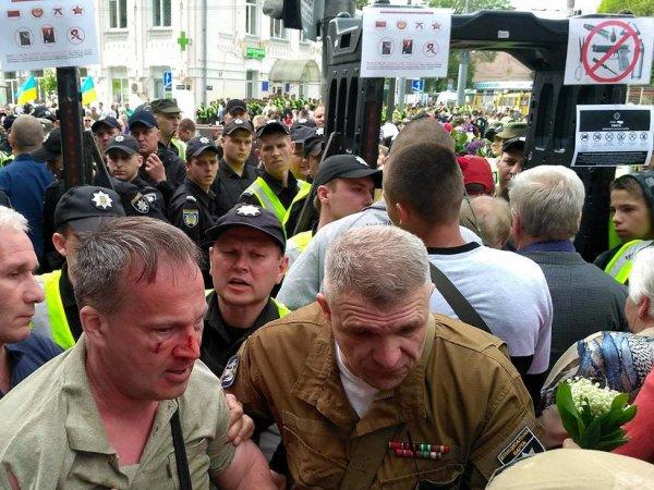 """Киевские тележурналисты назвали антиукраинским лозунг """"Фашизм не пройдет"""""""