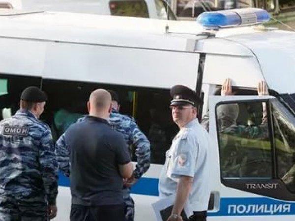 В Дагестане пьяные полицейские устроили дуэль и ранили прохожего