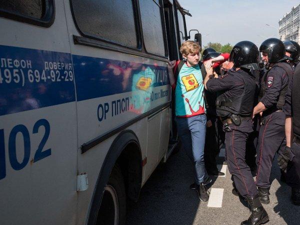 """Яшин рассказал о снайперах, задействованных при разгоне митинга """"Он нам не царь"""" в Москве"""