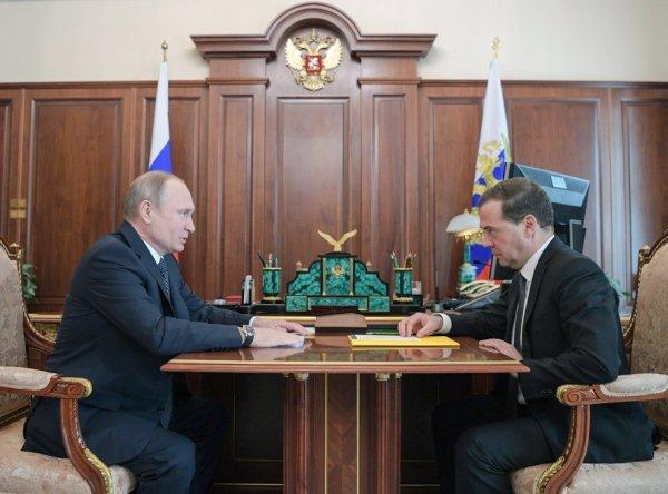 Медведев озвучил новый состав правительства РФ, а СМИ фамилии тех, кто туда не вошел