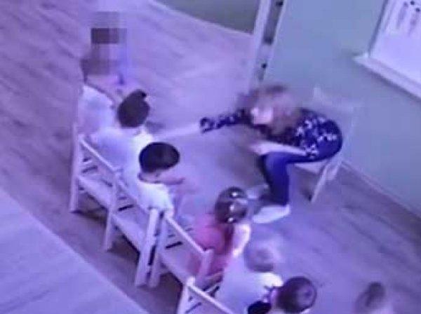 СКР показал видео издевательств над детьми в частном саду Барнаула