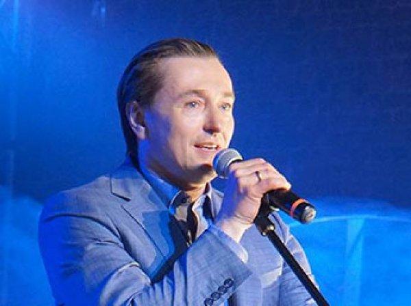 Сергей Безруков создал рок-группу и выпустил первый сингл