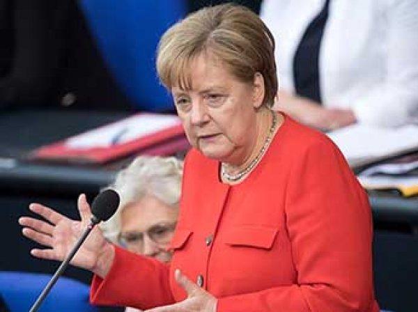 Меркель назвала невозможным возвращение России в G8
