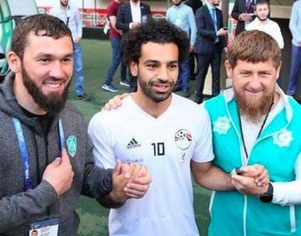 СМИ: Салах намерен покинуть сборную Египта после встречи с Кадыровым