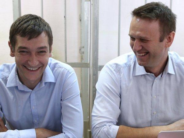 Олег Навальный освободился из колонии
