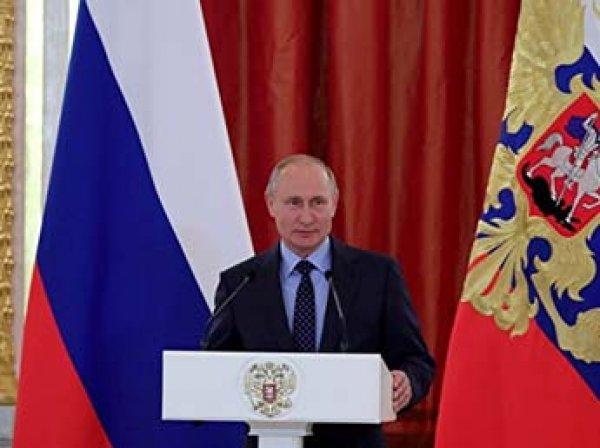 Путин уволил первого замглавы МЧС Степанова