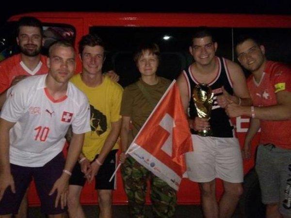 Швейцарские болельщики чудом избежали расстрела в ДНР по пути на ЧМ-2018 в России