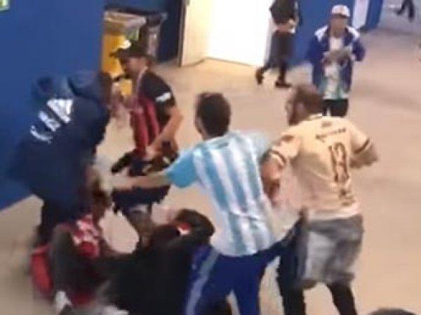 ФИФА оштрафовала Аргентину за драку болельщиков на матче с Хорватией