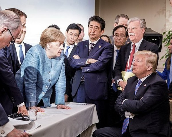 """СМИ: Трамп назвал главу Еврокомиссии Юнкера """"жестоким убийцей"""""""