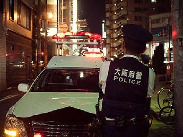 В Японии неизвестный открыл стрельбу по прохожим у стен школы: уже двое погибших