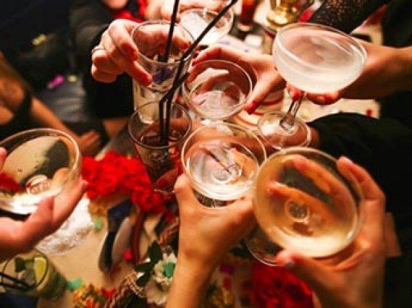 Ученые рассчитали безопасную дозу алкоголя в месяц