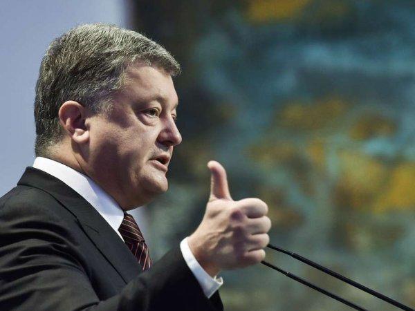 Соцсети высмеяли Порошенко за обещание поднять над Севастополем украинский флаг