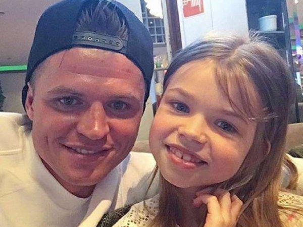 Шикарный подарок Тарасова 9-летней дочери возмутил соцсети