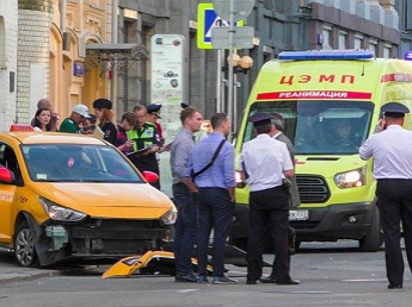 В Москве таксист сбил толпу футбольных болельщиков