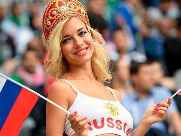"""The Sun: """"самая красивая болельщица из России"""" оказалась актрисой фильмов для взрослых"""