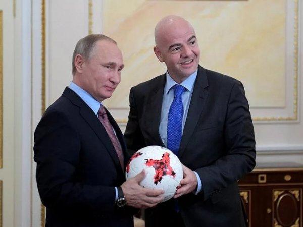 Путин на Красной площади не забил гол после паса Инфантино