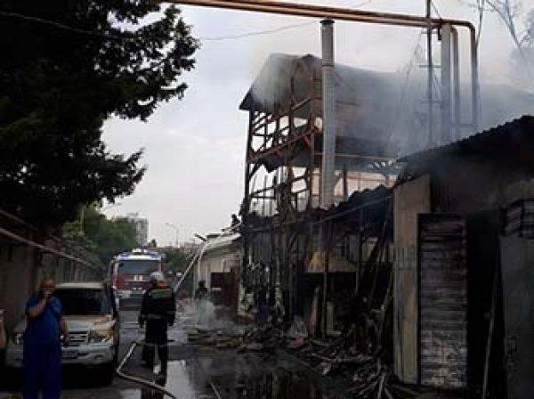 На пожаре в гостинице у моря в Сочи заживо сгорели восемь человек