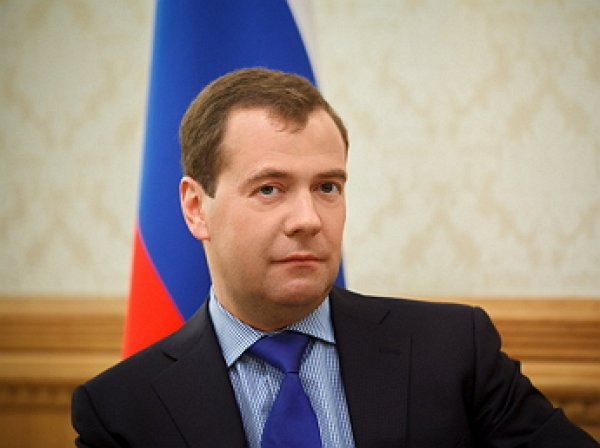 «А где портрет Путина?»: фото кабинета Медведева озадачило россиян