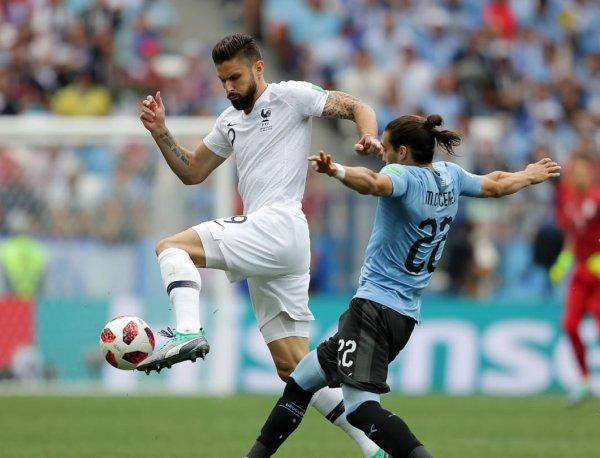 Уругвай - Франция: счет 0:2, обзор матча 06.07.2018, видео голов, результат ЧМ (ВИДЕО)