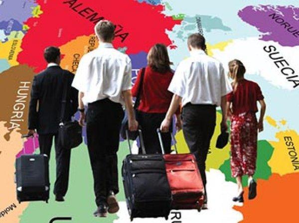 ВЦИОМ: каждый третий молодой россиянин хочет уехать из страны
