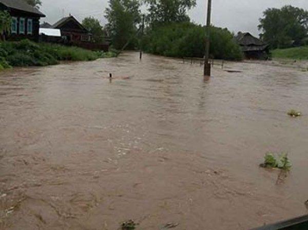 Под Оренбургом вода затопила поселок: люди утонули в своих домах