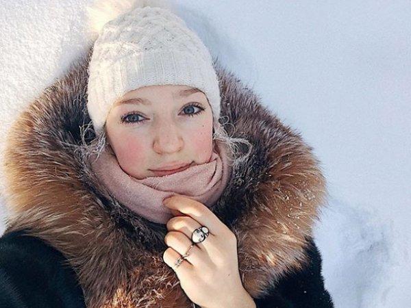 """Жительница Якутии напугала соцсети """"прелестями"""" северного лета"""