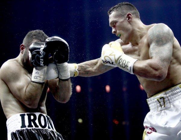 Бой Гассиев - Усик завершился победой украинца (ВИДЕО БОЯ)