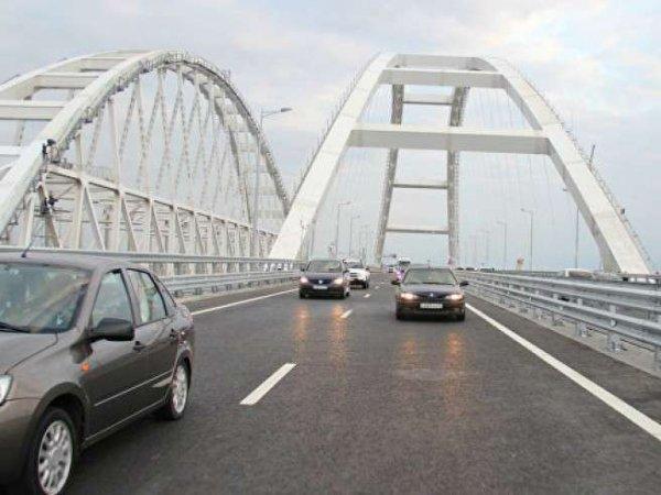 СМИ Украины: Крымский мост разрушается и отделяется от полуострова