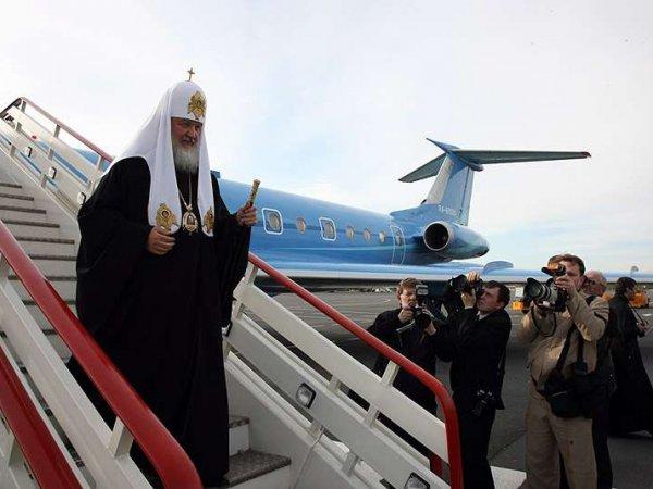 В РПЦ объяснили, откуда у патриарха Кирилла частный самолет