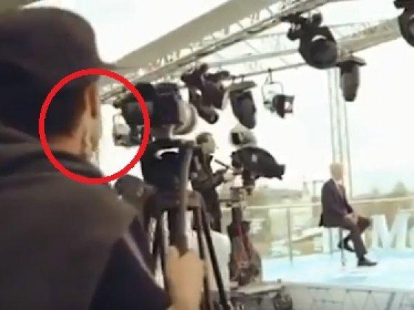 """""""Полнейшая чушь"""": оператор устроил перфоманс с лапшой на ушах во время съемки интервью Собянина"""