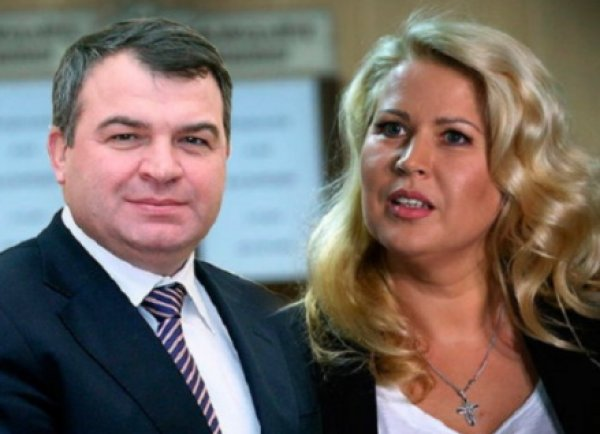 Евгения Васильева вышла замуж за экс-министра обороны Сердюкова