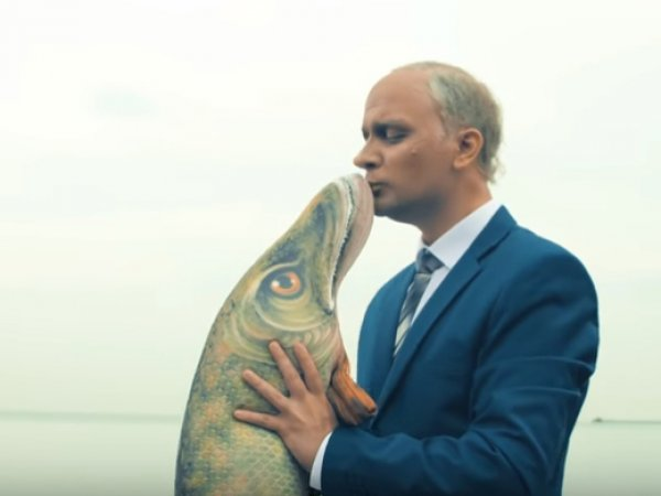 """""""Взимаю я, а платишь - ты!"""": известный блогер спародировал Путина под хит Монеточки"""