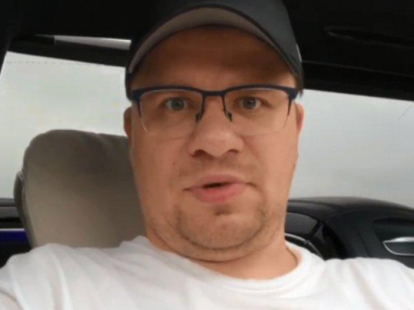 """""""Если бы ел крошку картошку в 20 лет"""": Гарик Харламов показал на фото своего двойника"""