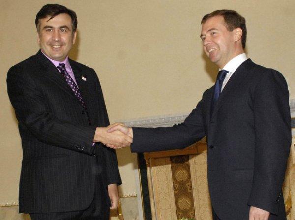 Саакашвили оскорбил Медведева, рассказывая о переговорах с ним перед войной