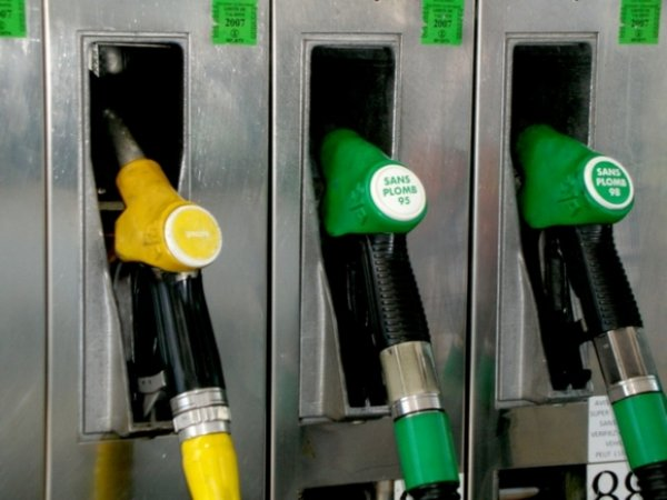 ФАС: повышение НДС приведет к росту цен на бензин