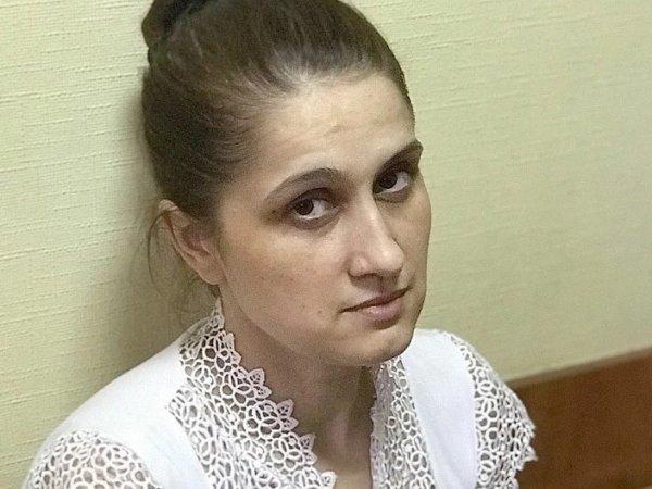Привязывал к дереву в лесу, угрожал ножом: стали известны новые подробности дела сестер-убийц Хачатурян