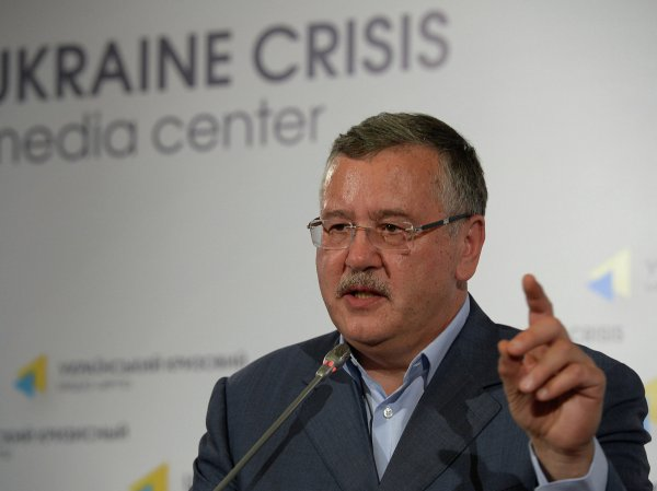 """Поборы и """"дубизм"""": экс-министр обороны Украины рассказал о плачевном состоянии армии страны"""