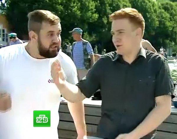 """В Сети рассказали про новую выходку """"десантника"""" Орлова, избившего журналиста в прямом эфире НТВ"""