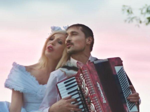 Запашные с тигром, Лолита, Гудков и Королева: Билан высмеял провинциальную свадьбу в своем новом клипе
