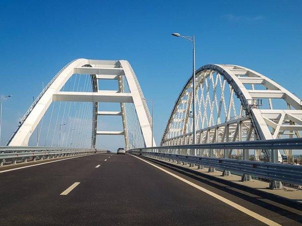СМИ: украинцы покупают специальные туры, чтобы убедиться в реальности Крымского моста
