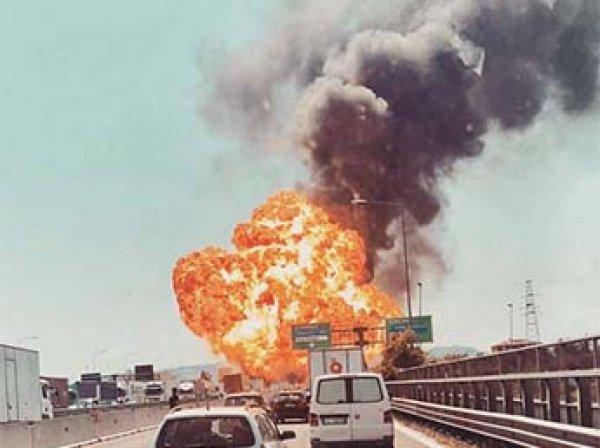 Рядом с аэропортом Болоньи в Италии прогремели мощные взрывы: два человека погибли и 65 ранены