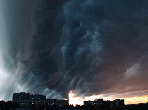 """Ведущая «Эха Москвы» назвала столичный дождь """"рукой Кремля"""""""