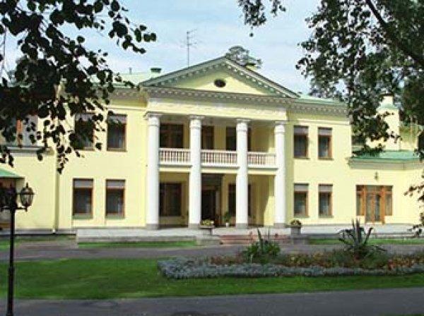 СМИ: на реконструкции резиденции Путина украли 1,5 млрд рублей