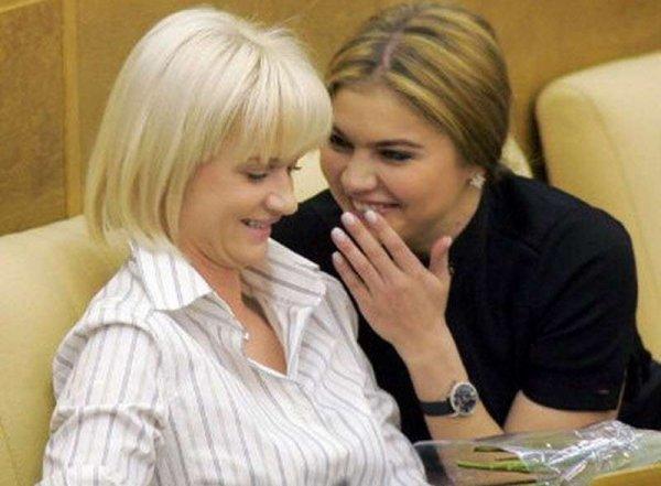 Хоркина рассказала, над чем они смеялись в Госдуме с Кабаевой