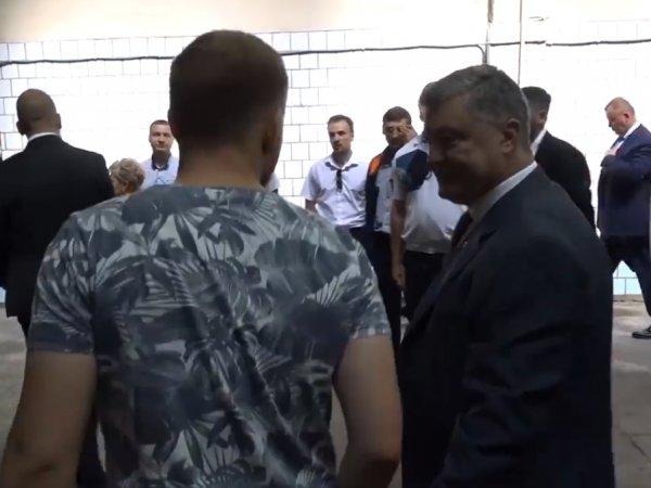 Порошенко нагрубил журналисту в ответ на вопрос о предвыборных обещаниях