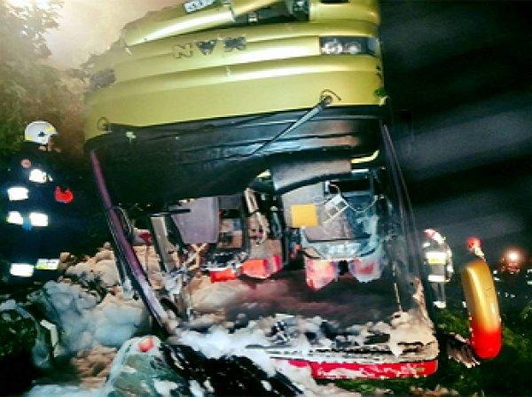 В Польша в ДТП с автобусом погибли три украинца, еще 51 пострадали